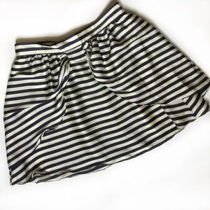 H&M navy striped skirt w front bow